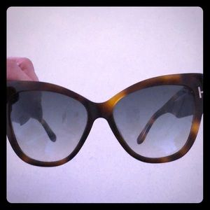 Authentic TOM FORD Cat Eye sunglasses!